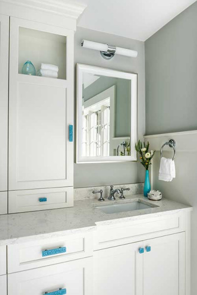 Soft Gray Bathroom Design With White Vanity